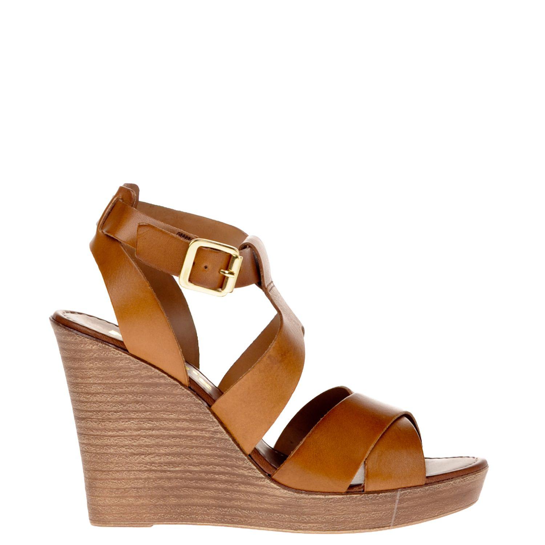 Dames sandaal van het merk hobb's uitgevoerd op sleehak in leer. de sandaal een imitatie lederen voering en ...