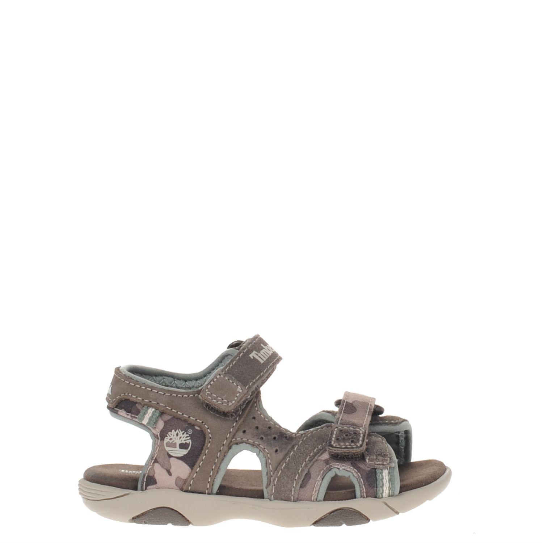 Jongens sandaal van het merk timberland uitgevoerd in bruin suede met bruin canvas camouflage print. de ...