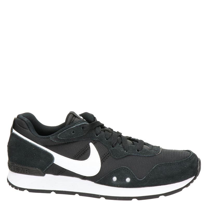 Nike Venture Runner - Lage sneakers - Zwart