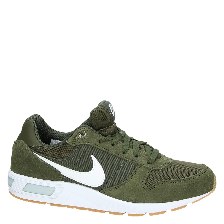 Nike Nightgazer herensneaker groen