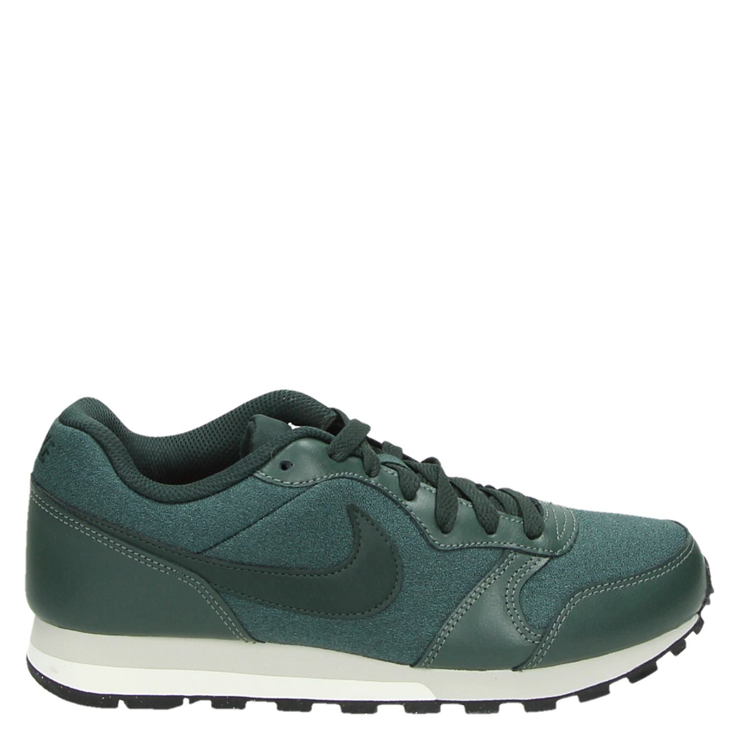 nike md runner 2 dames lage sneakers groen. Black Bedroom Furniture Sets. Home Design Ideas