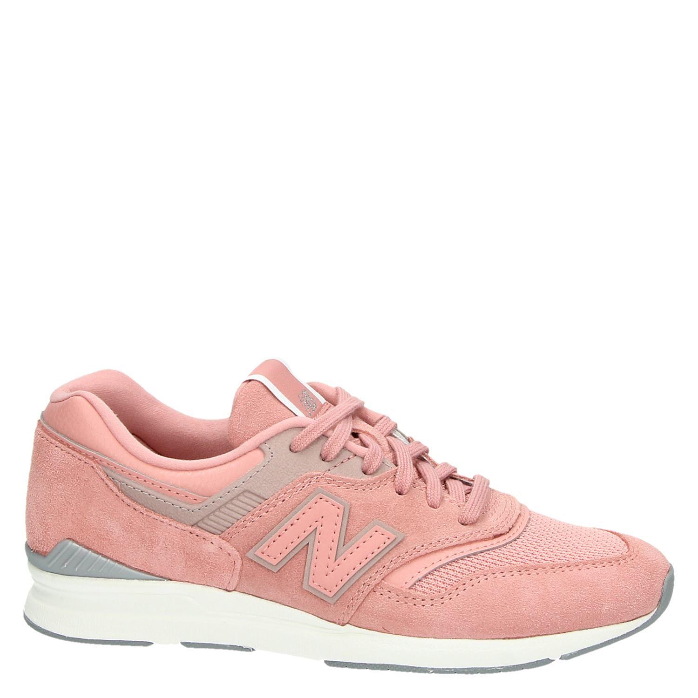 New Balance WL697 dames lage sneakers roze