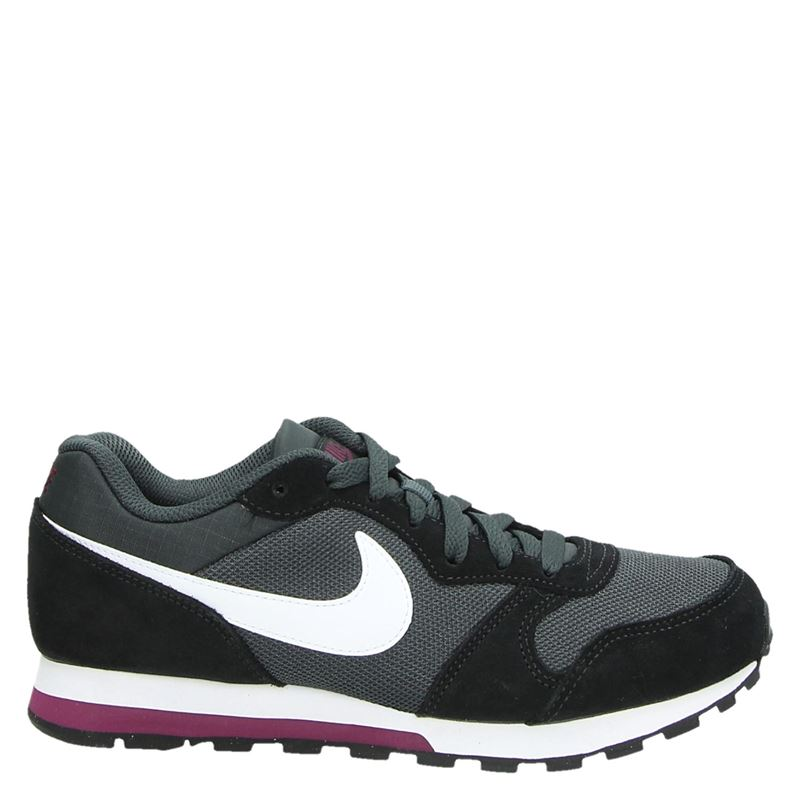 Nike MD Runner lage sneakers grijs