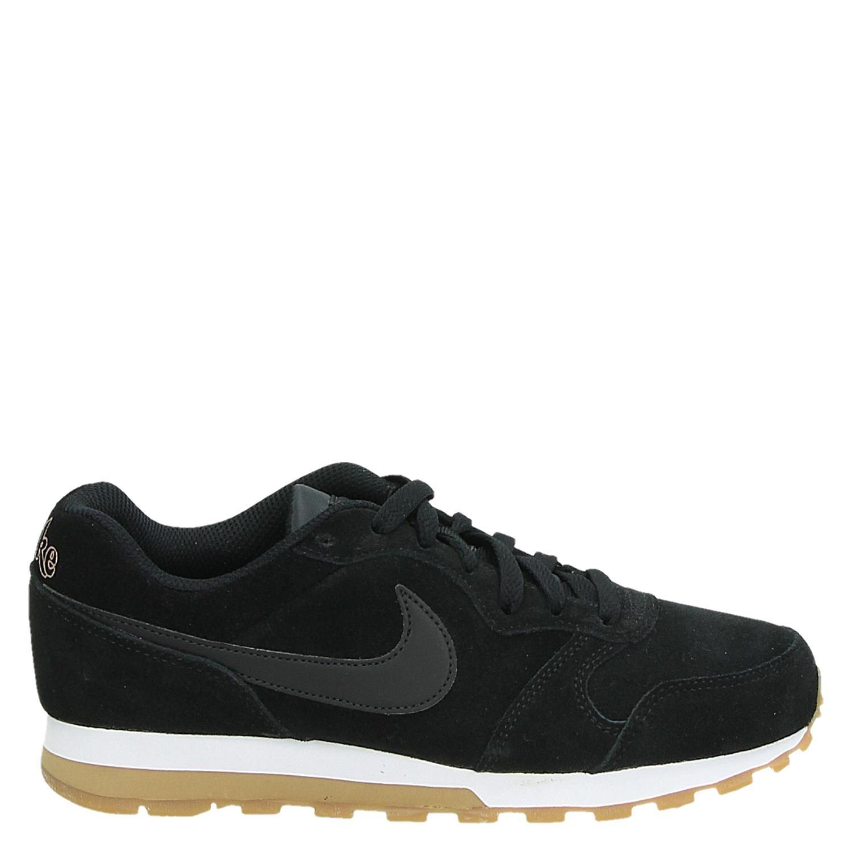 63e281bc6a4 Nike MD Runner dames lage sneakers zwart