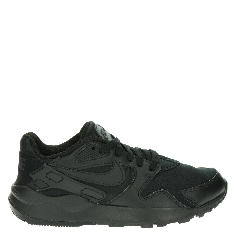 Zwarte Nike laarzen kopen?   BESLIST.nl   Lage prijs