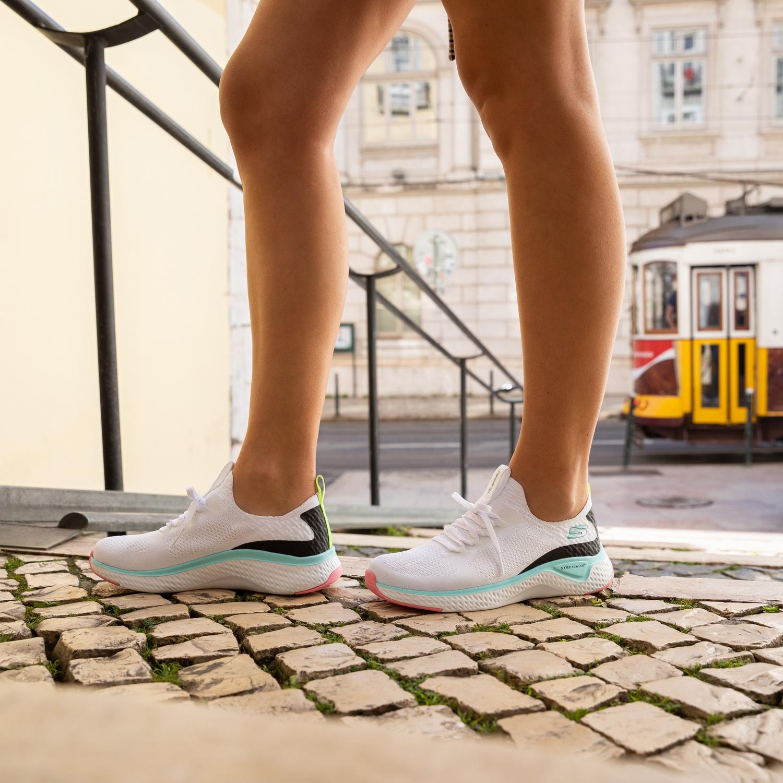 Skechers Stretch Fit - Lage sneakers voor dames - Wit XeZtrSd