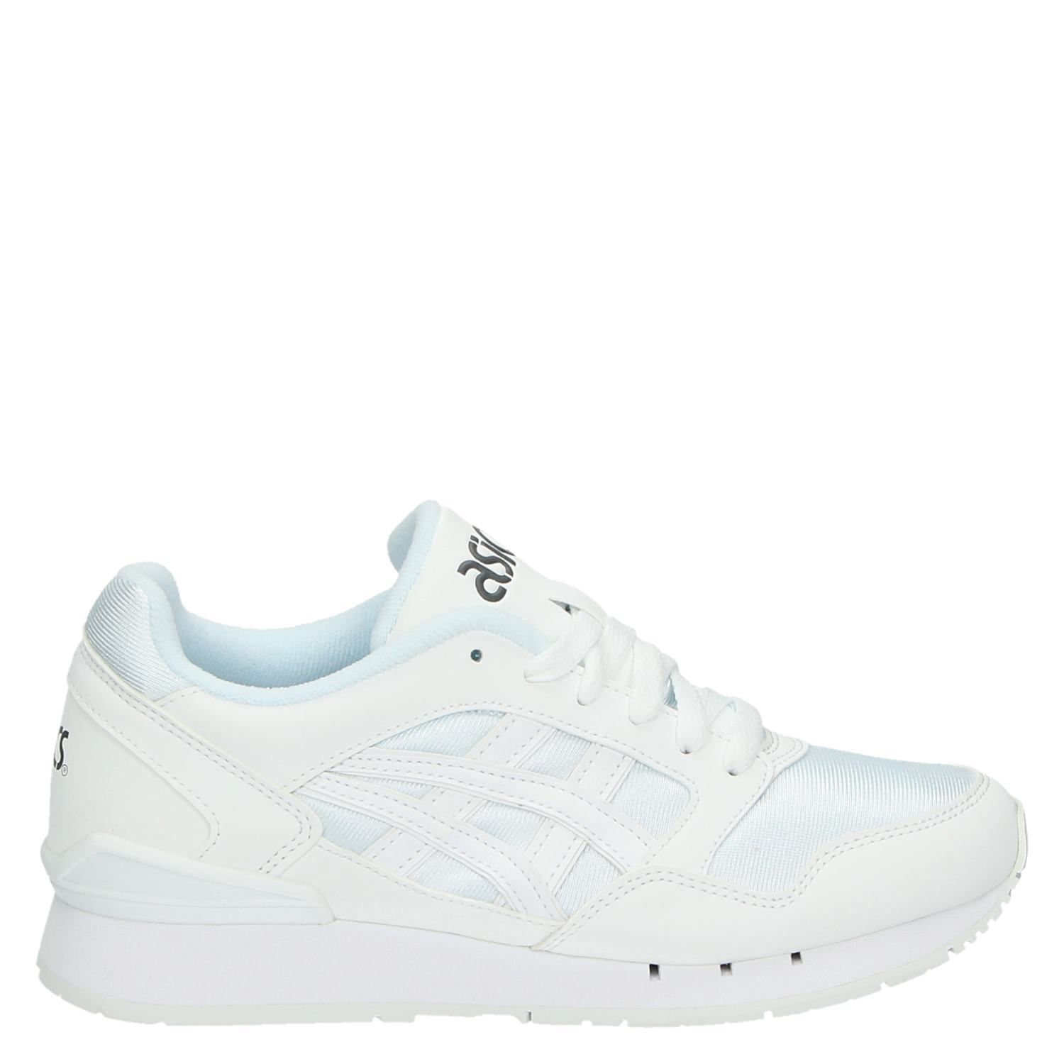 asics wit sneakers