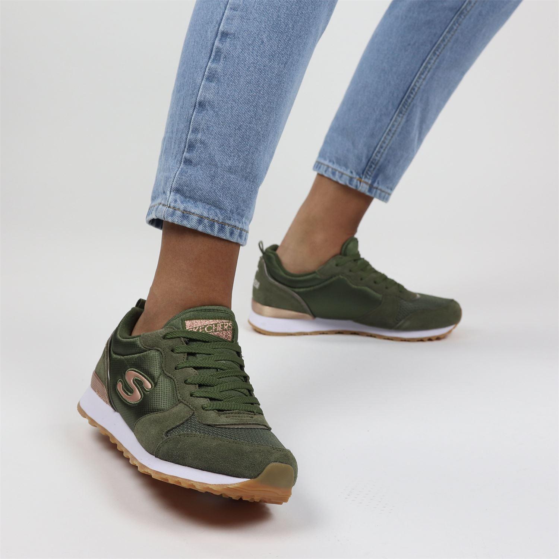 groene dames sneakers van Skechers