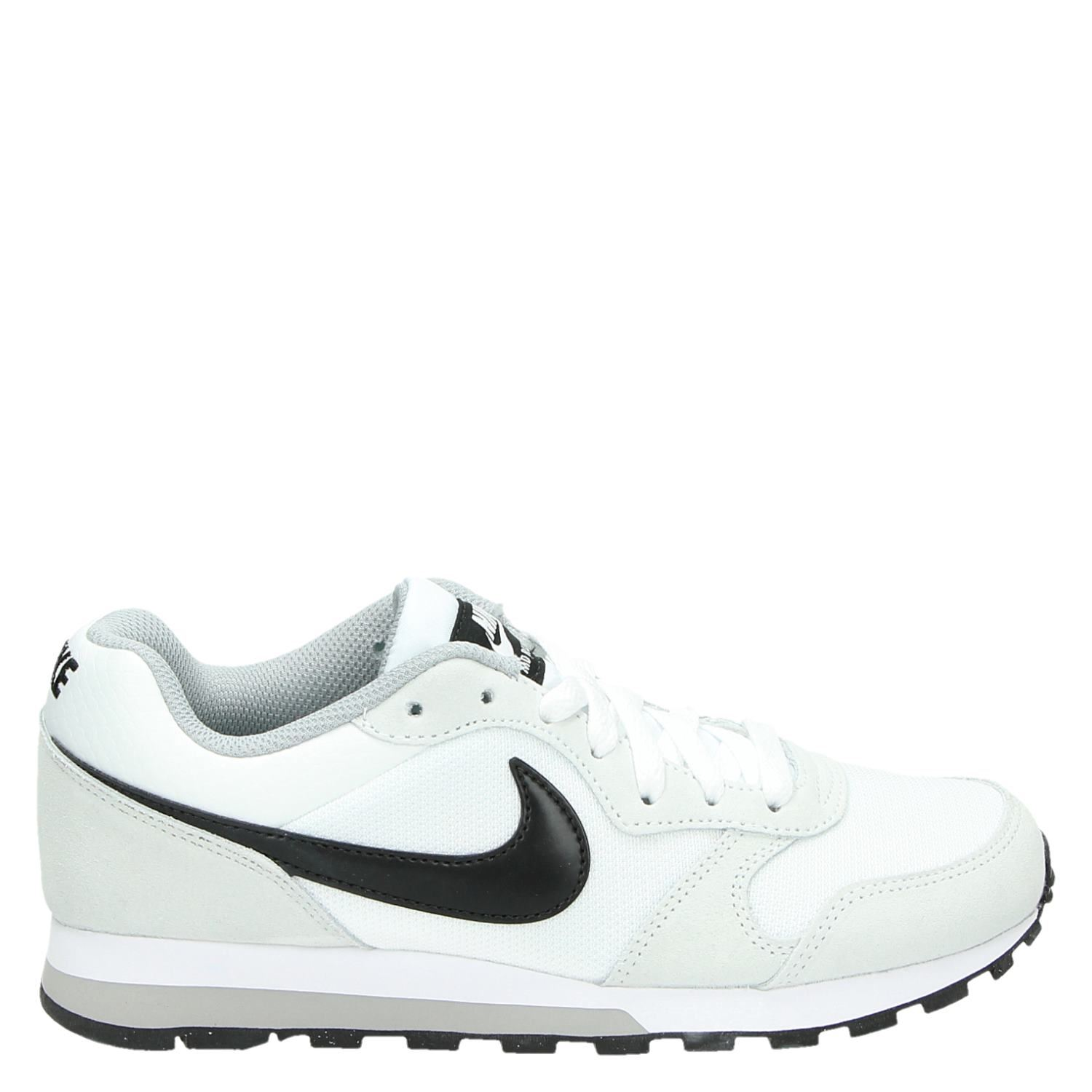 on sale 1a22d 39a99 Nike MD Runner 2 dames lage sneakers