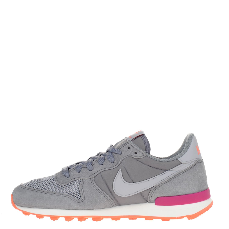 nike schoenen dames grijs