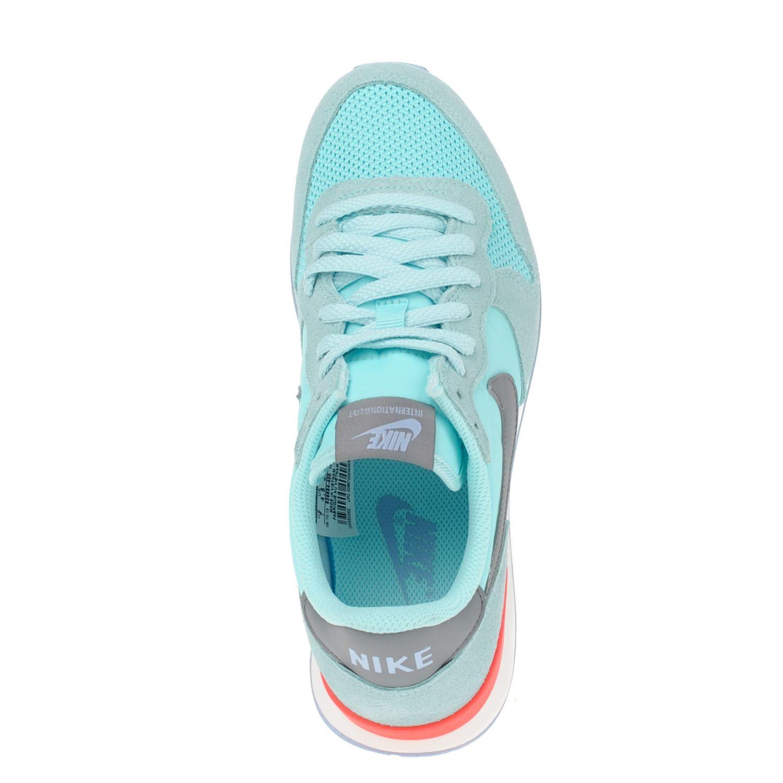 Nike dames sneakers. Kies je maat