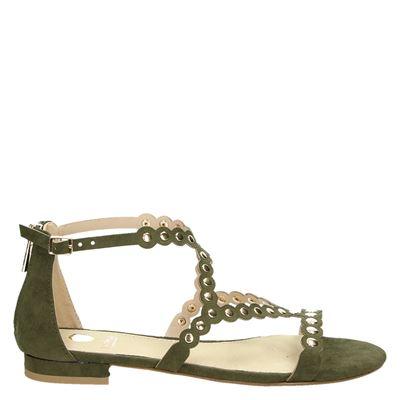 d sandalen gekleed/