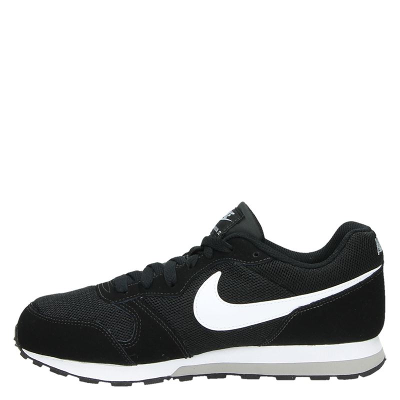 Nike MD Runner - Lage sneakers - Zwart