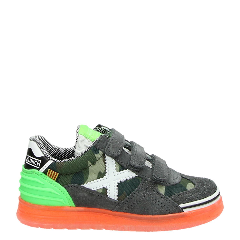 1c15a15433e Munich Velcro jongens lage sneakers groen