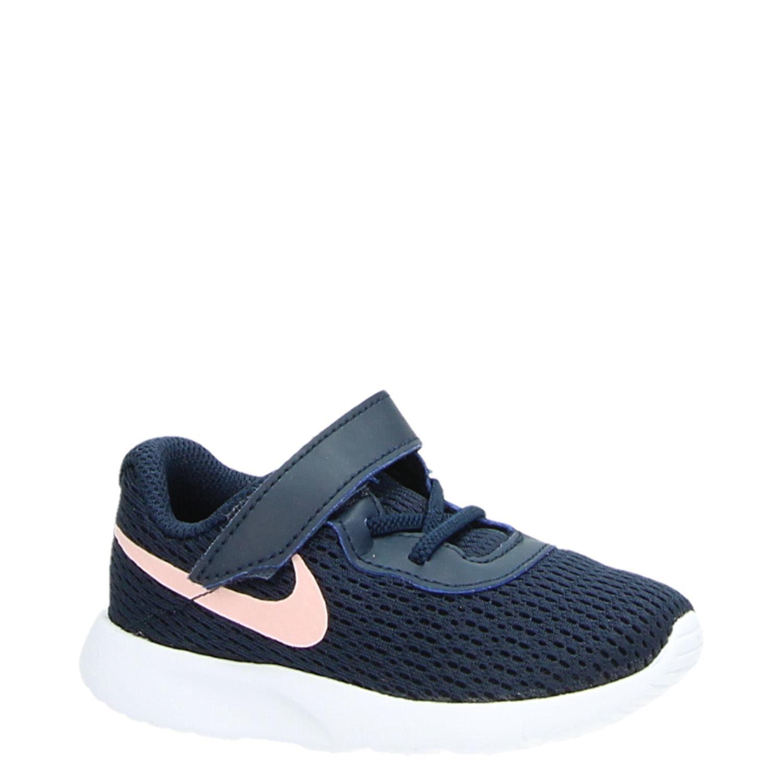 Nike Tanjun kindersneaker blauw