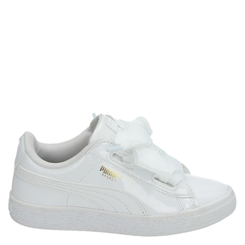 5c1b5295346 Puma Basket Heart Patent meisjes lage sneakers wit