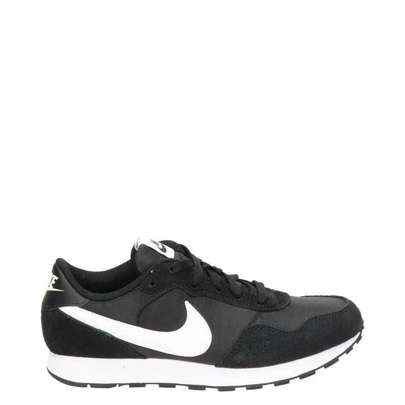 Nike MD Valiant - Lage sneakers - Zwart