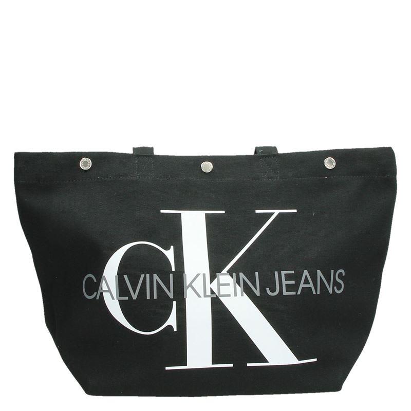 Calvin Klein Canvas Utility EW - Schoudertassen - Zwart